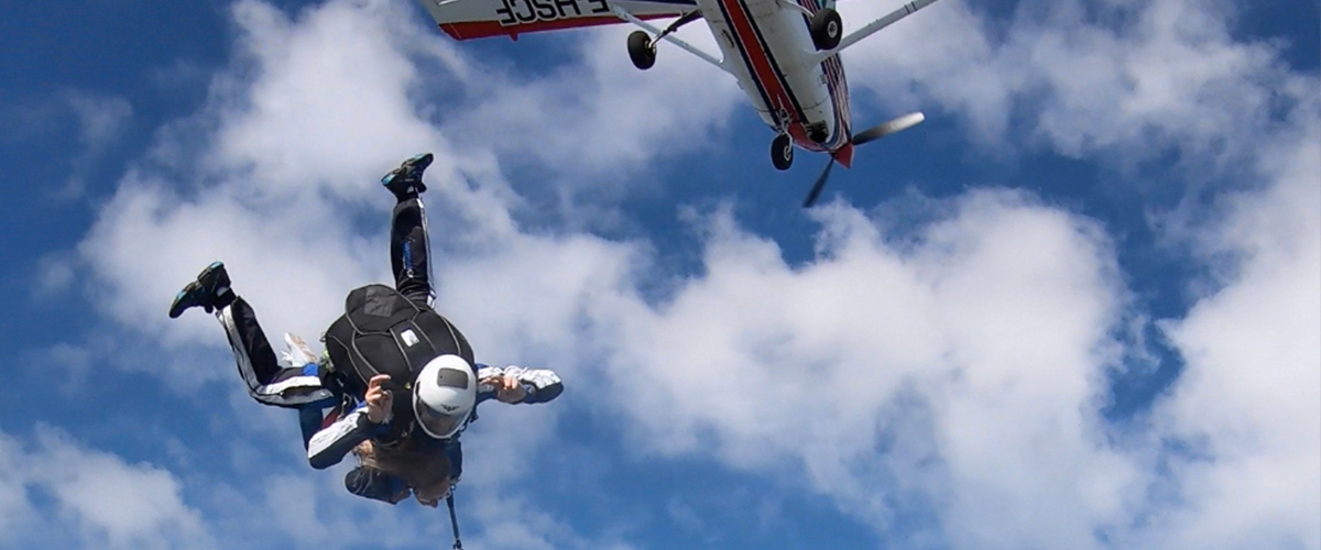 Parachutisme 74